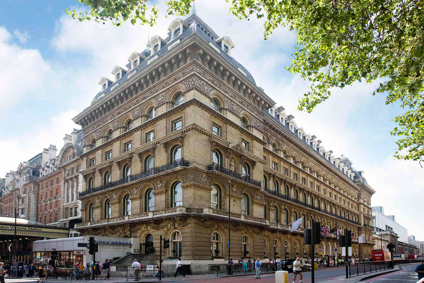 Hotels Close To Victoria Station London