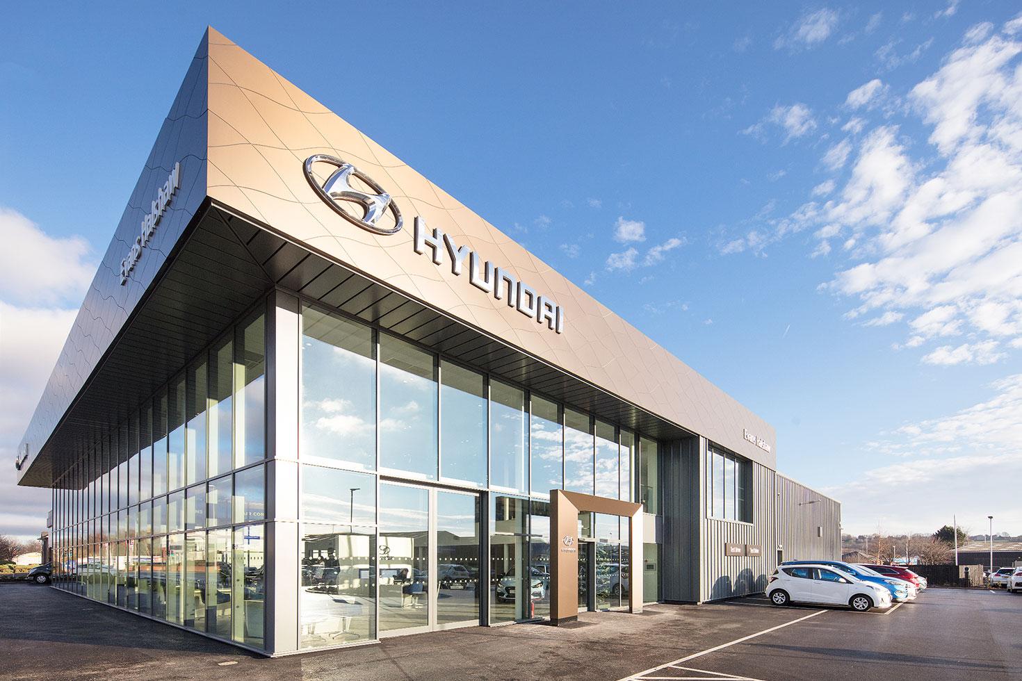 Hyundai, Leeds - Detail 3